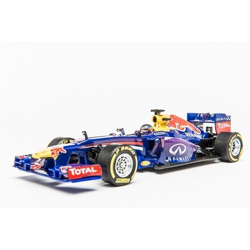 Carrera Digital 132 Infiniti Red Bull Racing RB9 S.Vettel, No.1 - raceauto - 1:32