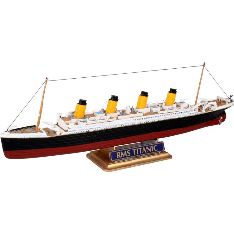 Image of R.M.S. Titanic 1:1200