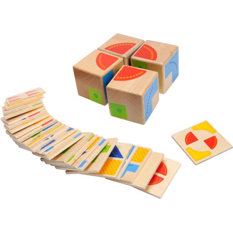 Kies één van de 26 voorbeeldkaartjes en probeer hem na te maken met de plaatjes op de vier kubussen....